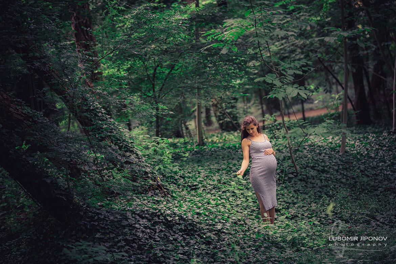 фотосесия за бременни в парк военна академия град софия