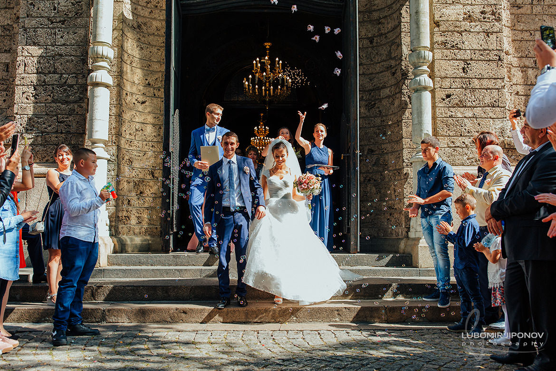 сватбен фотограф църква света неделя