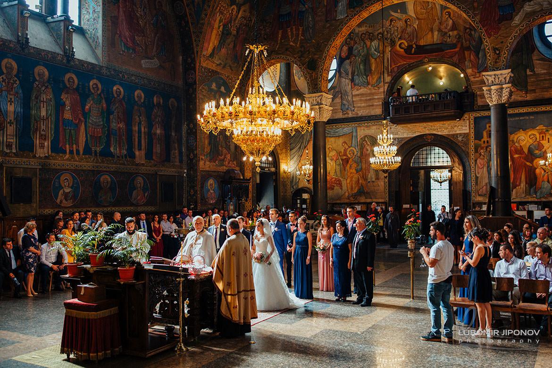 сватбена фотография в храм света неделя