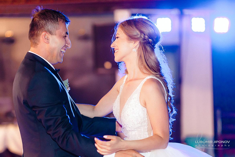 Първи сватбен танц на сватба в комплекс Кралско село