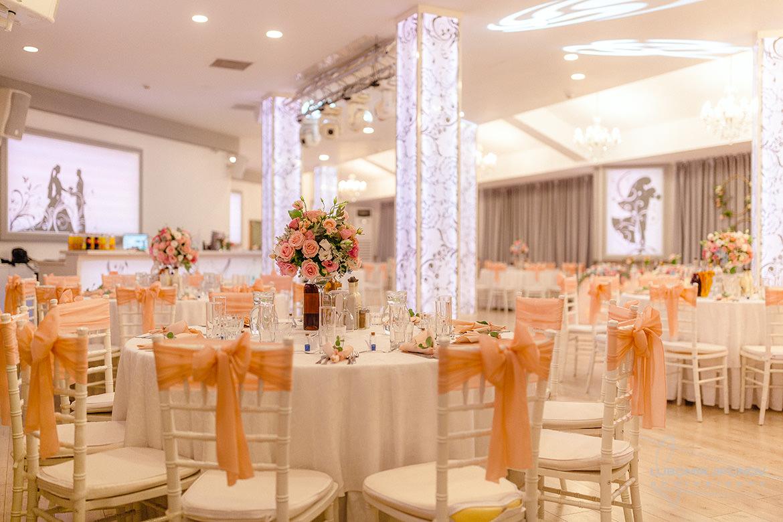 Сватбена декорация и украса в хотел Акорд в София.