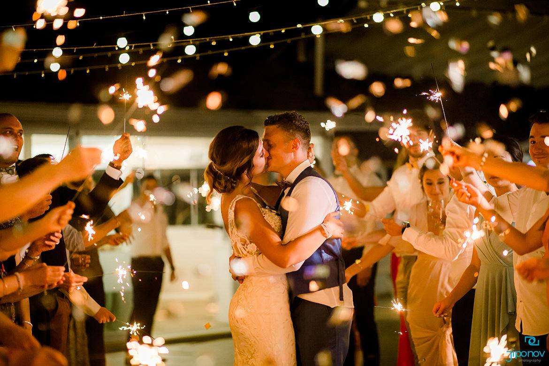 Сватба с бенгалски огън в България